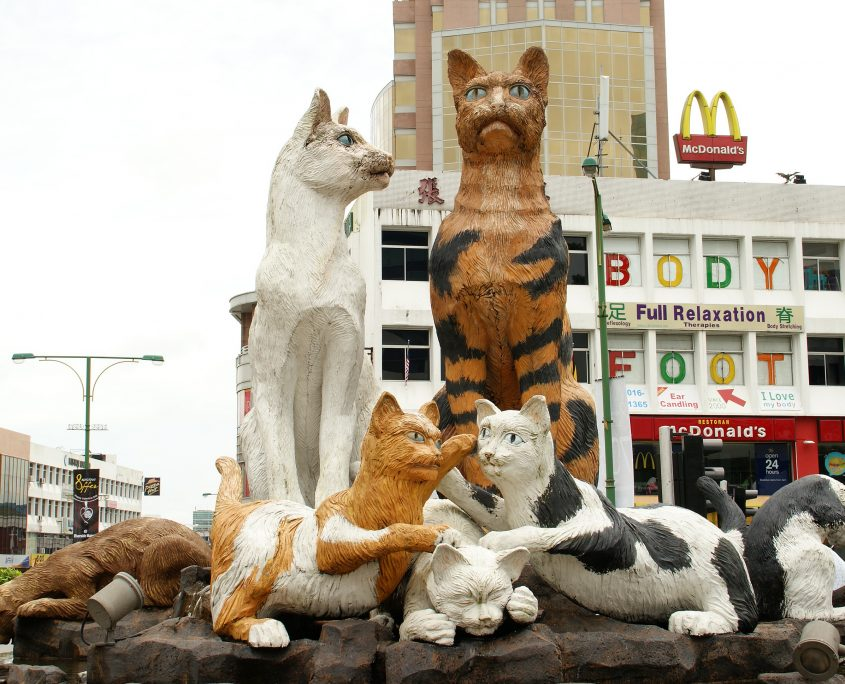 Cat Statue in the heart of Kuching. Credit: Wikimedia Commons